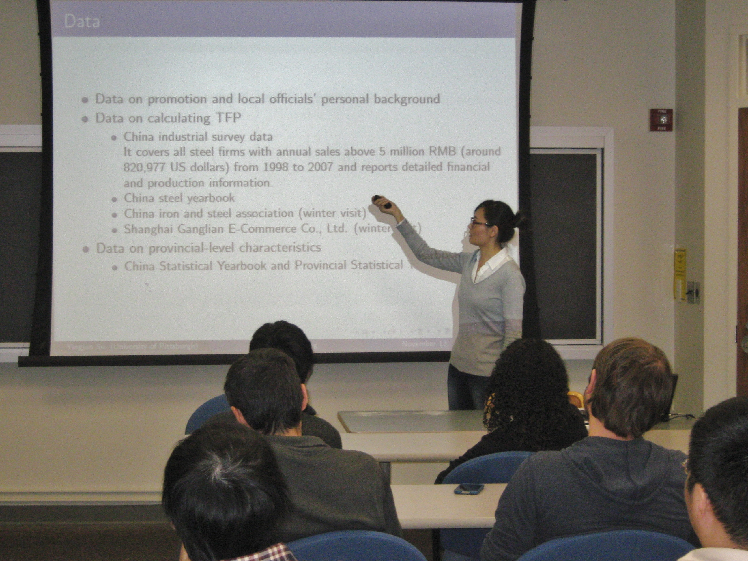 "Yingjun Su, a fifth-year graduate student, presenting her research ""Dual Regulation in the Chinese Steel Industry: a Principal-Agent Analysis"" at a brown bag – November, 2014"